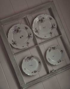 plates-in-bathroom