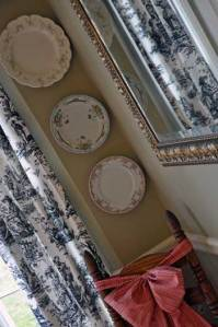 plates-on-the-wall1