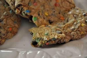 monster-cookie-yum