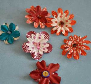 paper-flower-thumbtacks