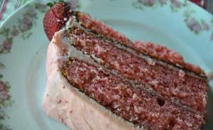 strawberry-cake-slice